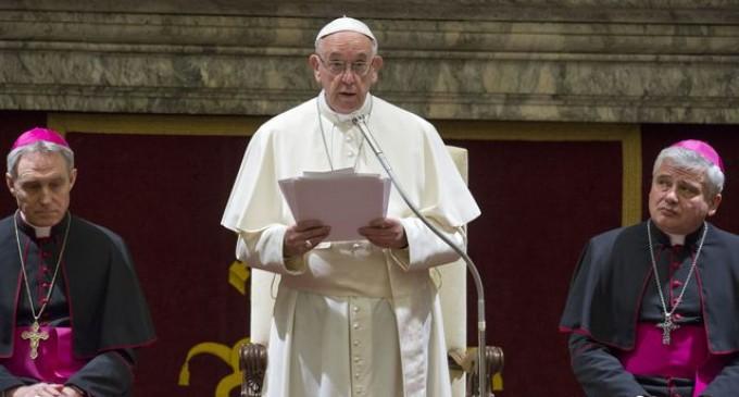 Precizările Arhiepiscopiei romano-catolice, după anunţul de ieri al premierului privind vizita Papei Francisc în România: Înştiinţarea oficială se face simultan de Sfântul Scaun şi Preşedinţie