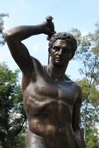 strong-man-statue-3456x5184_68058