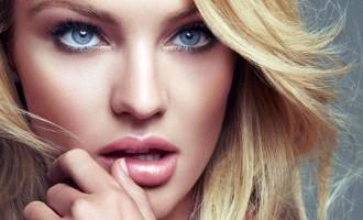 Blonda de la Capitală îi bagă pe mulți în boală…