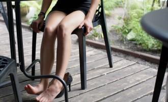 Cum sa iti relaxezi picioarele dupa o zi grea?
