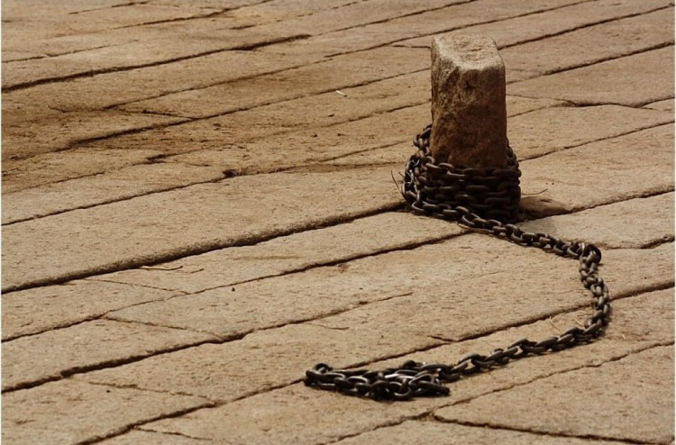 Chain_expressing_freedom-1024x675