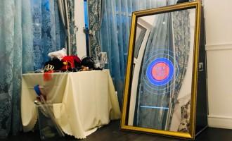 Cabinele foto versus fotografi profesionisti: de ce cabinele foto sunt preferate la evenimente?