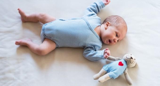 Ce body pentru bebe la moda poti sa ii cumperi micutului tau