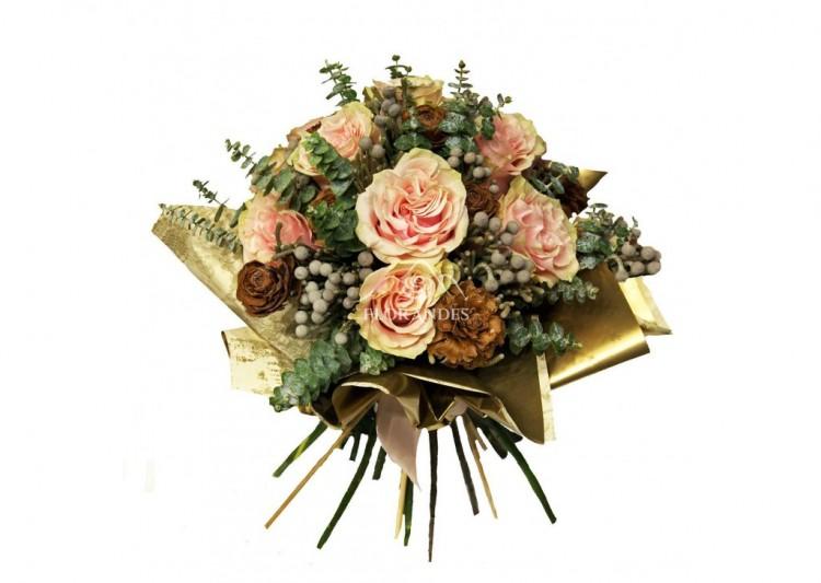 buchet_de_trandafiri_roz_si_conuri_BTZ-1024x728