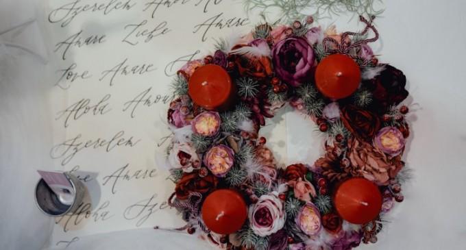 O florarie online da tonul cadourilor de Craciun cu flori spectaculoase