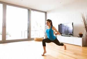 Exercitii fizice pentru acasa - sursa storyblocks.com