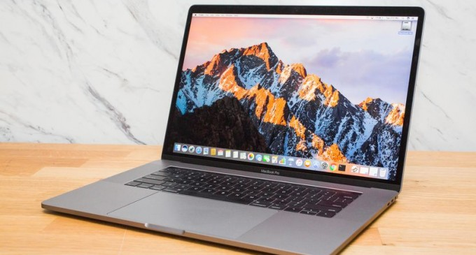 """Apple ia in considerare un MacBook Pro de 16.5"""""""