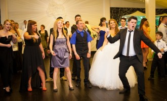 Alege cea mai frumoasa muzica de nunta