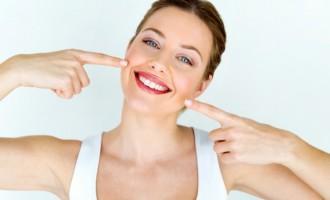 Albirea dintilor acasa sau la o clinica stomatologica? Avantaje si Dezavantaje