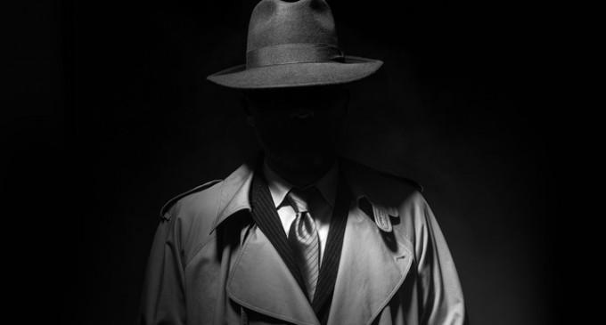 Cum a ajuns mafia italiana sa spele bani tocmai in Romania?/Evident, prin intermediul unor politicieni romani si a unor generali din serviciile de informatii