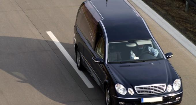 Transport funerar international cu autovehicule acreditate