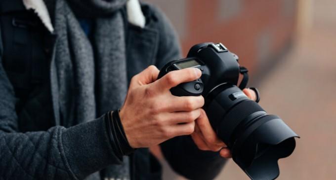 Cum alegi un fotograf potrivit pentru evenimentul tau?