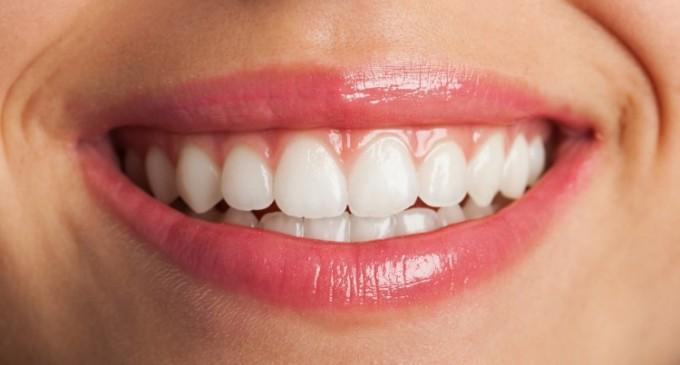 3 pasi simpli care vor garanta succesul tratamentului cu implant dentar pe termen lung!