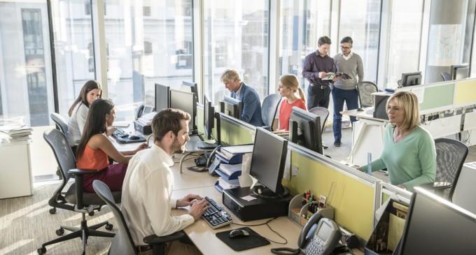 Patronii români de startup-uri se plâng că marile corporații și statul iau angajații cei mai buni
