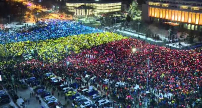 Senatul a aprobat instituirea zilei de 10 august Ziua unității civice, la inițiativa lui Liviu Pop – International