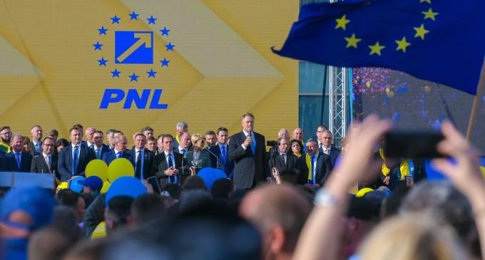 LIVEVIDEO Iași: Klaus Iohannis participă la Adunarea Regională a organizațiilor PNL din Nord-Est – Politic
