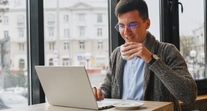De ce ar Trebui sa Cumperi un Laptop Refurbished?