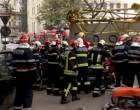 UPDATE O macara a căzut peste o mașină din centrul Capitalei. Un bărbat a fost rănit grav, fiind scos cu greutate din autoturism – Esential