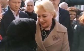 Dăncilă, la Focșani: Să îi dea Dumnezeu gândul cel bun lui Klaus Iohannis și să voteze Viorica Dăncilă – Politic