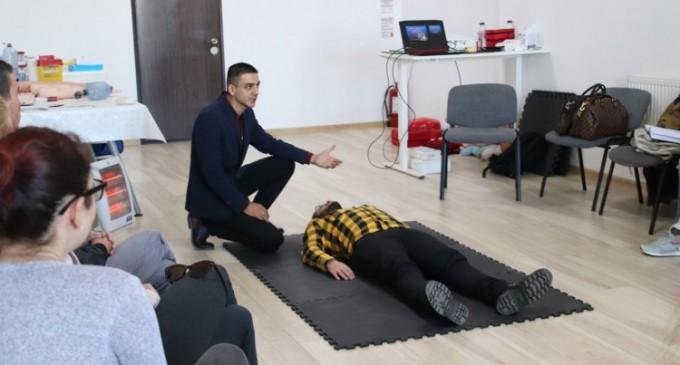 Andrei-Traian Ștefan – Un asistent medical pasionat si dedicat meseriei sale