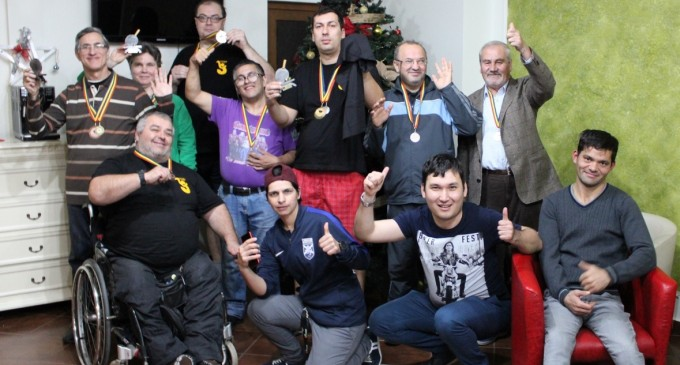 Cupa Mos Craciun la Tenis de Masa a persoanelor cu handicap si-a stabilit castigatorii