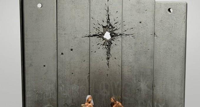 FOTO Banksy reinterpretează scena nașterii lui Isus: În locul stelei de deasupra ieslei apare urma unui glonț – Esential