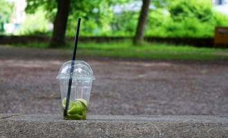 Paharul de plastic multifunctional
