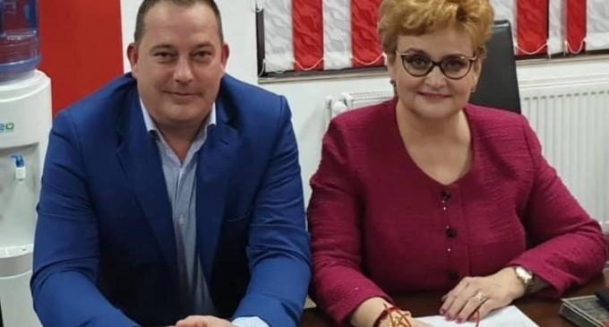 """Traseista Gratiela Gavrilescu si-a lansat/bagat la """"apa"""" candidatul PSD la primaria Floresti"""