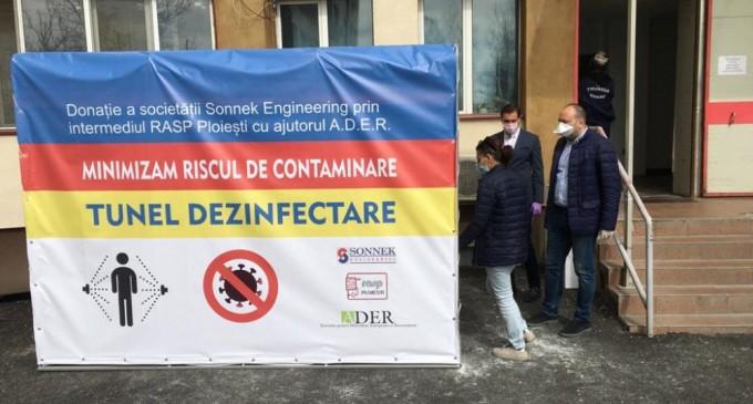 Prin intermediul R.A.S.P, și al Asociației pentru Dezvoltare Europeană și Reconstrucție (ADER), reprezentate de Raul Petrescu – s-a donat Spitalului Județean de Urgență Ploiești un TUNEL DEZINFECTANT de trecere