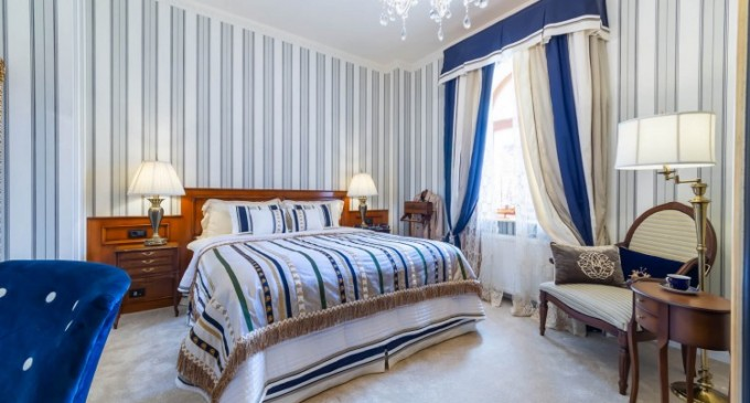 BENEFICIILE DE A STA LA UN HOTEL DE 5 STELE