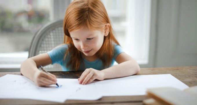 4 lucruri care nu trebuie să lipsească din ghiozdanul micului tău școlar