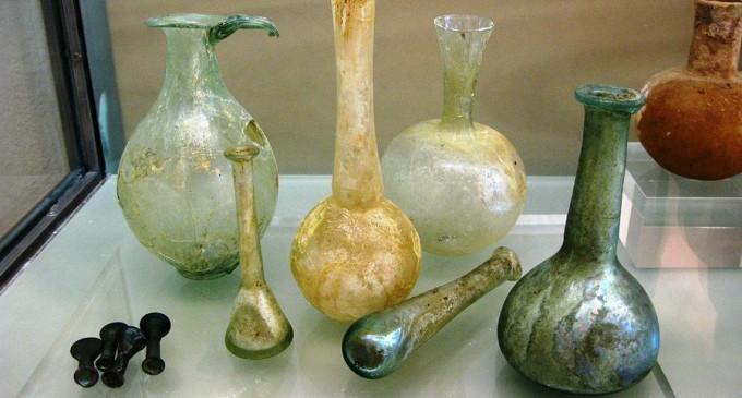 Istoria sticlei. Cine a inventat si cand a fost descoperita sticla