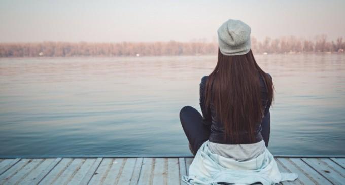 Trucuri pentru a depasi tristetea si singuratatea
