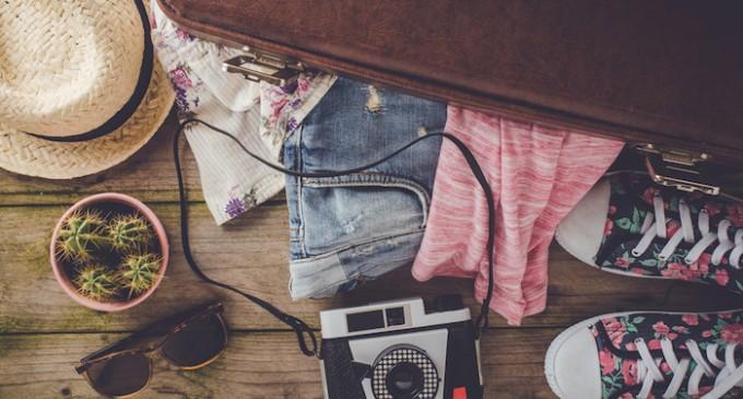 10 articole de impachetat pentru o vacanta de vara perfecta