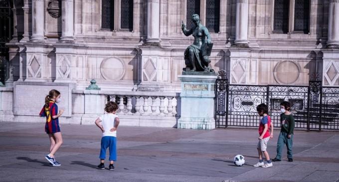 Coronavirus: Masca, obligatorie la Paris începând de luni, pentru cei trecuţi de 11 ani – International