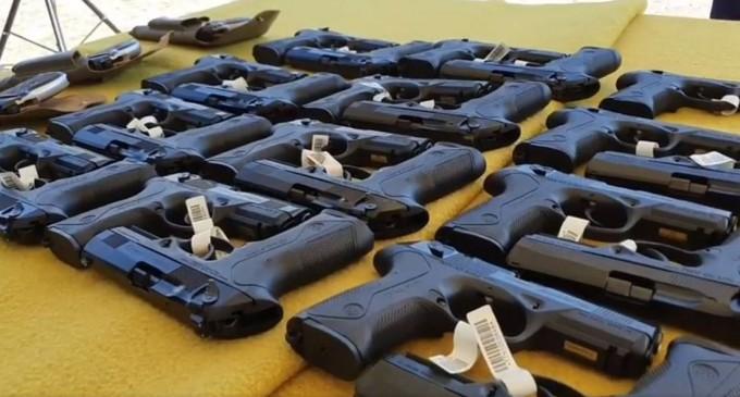 Vela: În următoarele două luni, toți polițiștii vor primi pistoale Beretta de ultimă generație – Esential