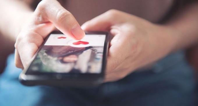 Avantajele si dezavantajele intalnirilor pe internet