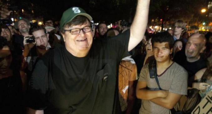 Michael Moore avertizează: Sunteți pregătiți mental pentru o nouă victorie a lui Trump? – Esential