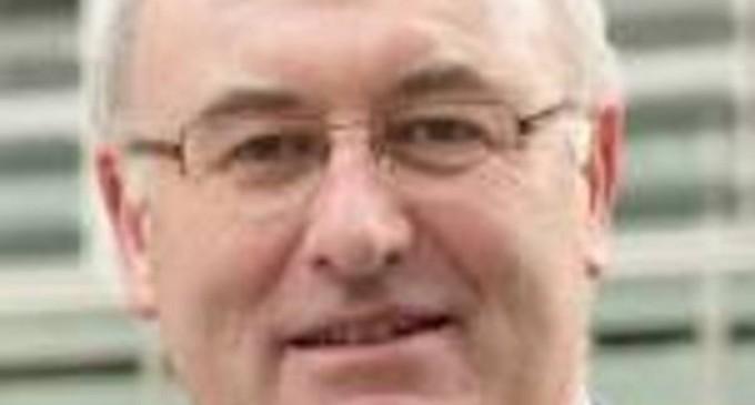 Comisarul european pentru comerţ, irlandezul Phil Hogan, a demisionat pe fondul scandalului COVID-19 – Esential