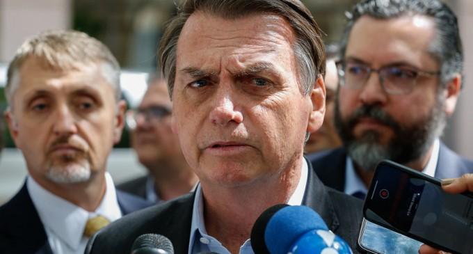 """Jair Bolsonaro, către un jurnalist: """"Vrei să te lovesc peste gură?"""" – Esential"""