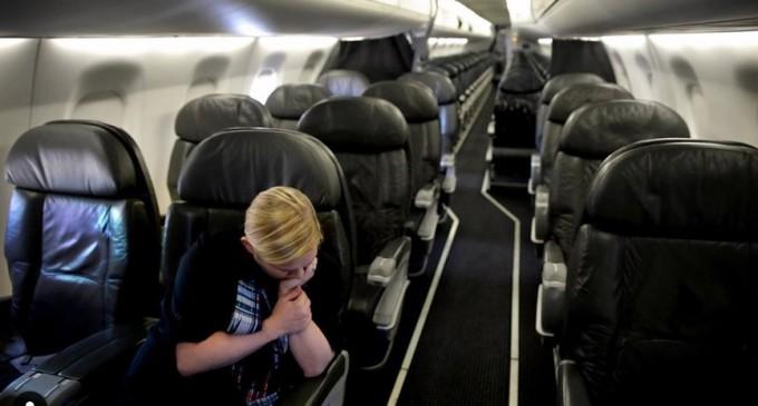 Ce s-a întâmplat cu reclamațiile depuse de români la ANPC împotriva companiilor aeriene care nu au dat banii înapoi pe bilete pentru zborurile anulate din cauza pandemiei – Esential