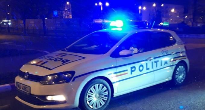 Anchete după ce doi poliţisti şi un jandarm s-au fotografiat cu Adrian Copilul Minune şi un alt manelist, la evenimentul privat din Sectorul 6 la care aceştia au fost amendaţi – Esential