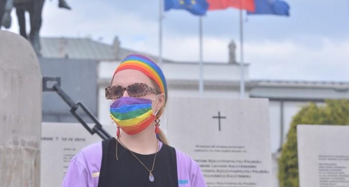 UE, îndemnată să mărească presiunea asupra Poloniei pentru apărarea drepturilor LGBT + – International
