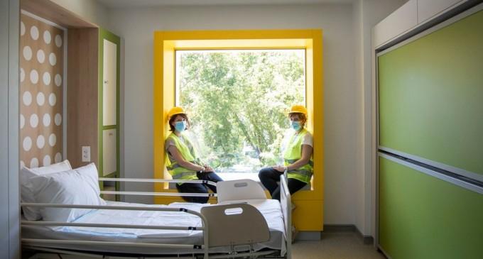 VIDEO/FOTOGALERIE Cum va arăta spitalul pentru copii bolnavi de cancer construit din donațiile a peste 350 de mii de români. Primele imagini din saloane – Sanatate