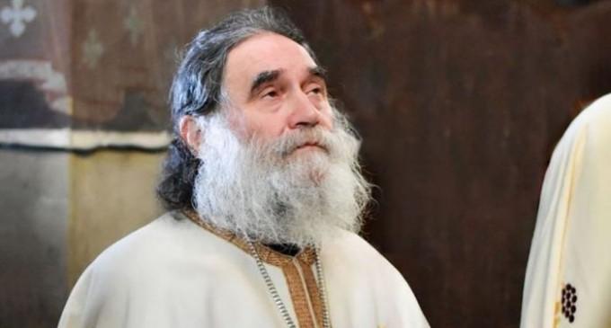 Starețul Mănăstirii Stânișoara a murit din cauza Covid-19. De unde a luat boala părintele Arhimandrit – Coronavirus