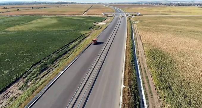 VIDEO Primii kilometri de autostradă din Moldova: Cum arată acum bucata din autostrada A7 în construcție lângă Bacău – Infrastructura_Articole