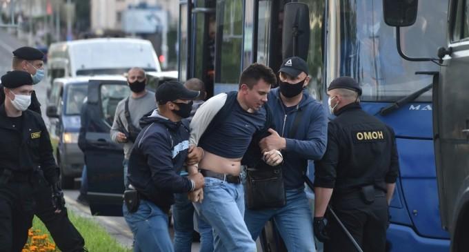 Bloggerul care conduce protestele din Minsk de la 500 de kilometri depărtare: Dacă m-aș întoarce în Belarus, aș fi reținut imediat – International