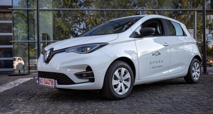Startup-ul de car sharing Spark face parteneriat cu Renault şi ia 400 de maşini electrice – IT