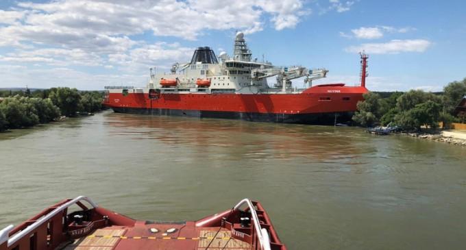 Digi24: Spărgătorul de gheață de 2 miliarde de dolari construit în România a eșuat pe Dunăre