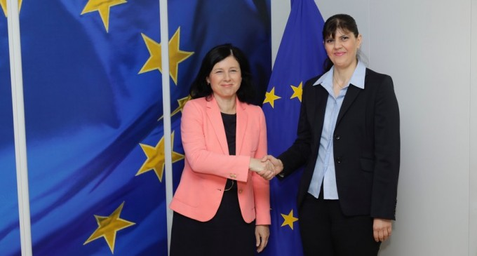 Noul Parchet European începe activitatea / Laura Codruța Kovesi și cei 22 de procurori ai său au depus jurământul – Esential